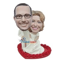 All White Bride And Groom On Heart bobblehead Doll