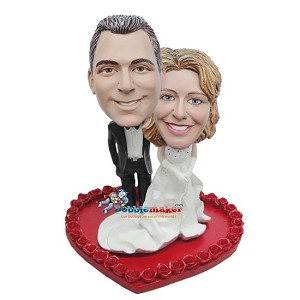 Wedding Couple On Heart bobblehead Doll