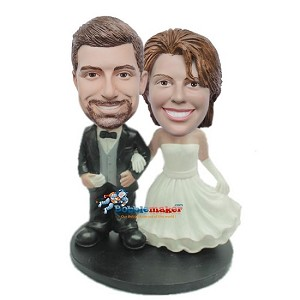 Arm In Arm Wedding Couple bobblehead Doll