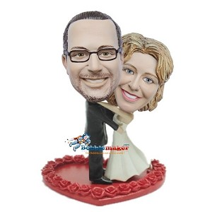 Hugging Wedding Couple On Heart bobblehead Doll