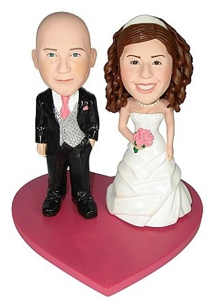 Casual Wedding Couple On Heart bobblehead Doll