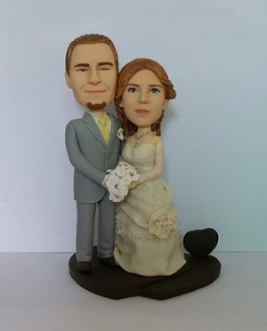 Old Time Wedding Couple bobblehead Doll