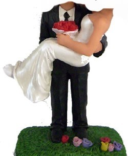 Custom Bobblehead | Holding Bride Groom Couple Bobblehead