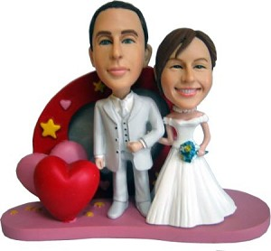 Bride and Groom Hearts Background bobblehead Doll