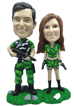 Military Couple With Weapons bobblehead Doll