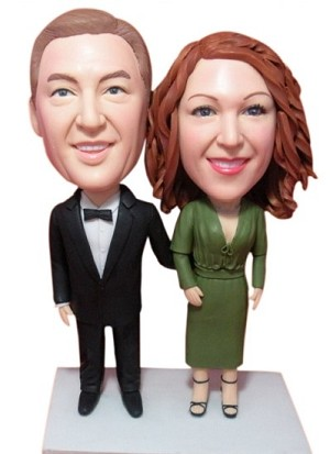 Custom Bobble Head | Hand On Back Couple Bobblehead | Gifts for Couples
