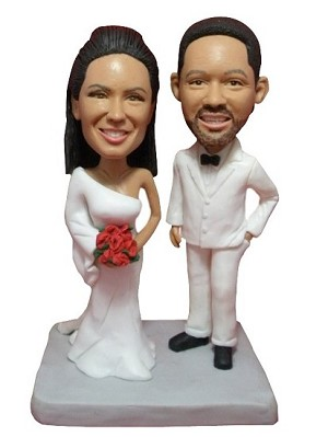 Bride And Groom In White bobblehead Doll