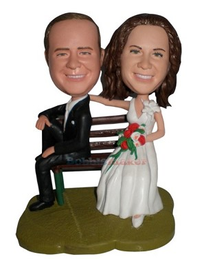 Seated Bride And Groom bobblehead Doll